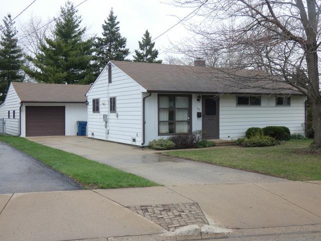 407 W Green Street, Bensenville, IL 60106 (MLS #10350159) :: Domain Realty