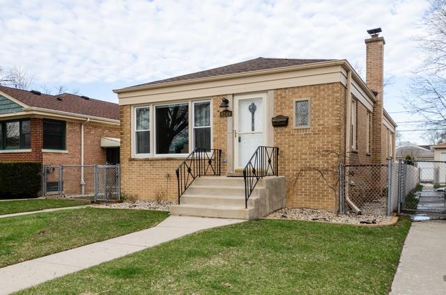 8249 Ridgeway Avenue, Skokie, IL 60076 (MLS #10350195) :: BNRealty