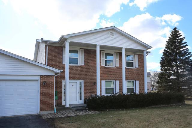 1875 Shorewood Drive W, Hoffman Estates, IL 60192 (MLS #10350274) :: Helen Oliveri Real Estate