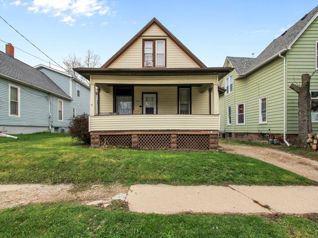 1003 S Madison Street, Bloomington, IL 61701 (MLS #10350294) :: Janet Jurich Realty Group