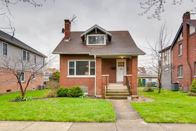 4310 Raymond Avenue, Brookfield, IL 60513 (MLS #10350371) :: Helen Oliveri Real Estate