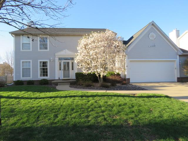 3314 Brittany Circle, Bloomington, IL 61704 (MLS #10350373) :: Janet Jurich Realty Group