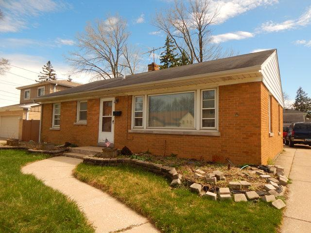 10609 Drummond Avenue, Melrose Park, IL 60164 (MLS #10350530) :: Domain Realty