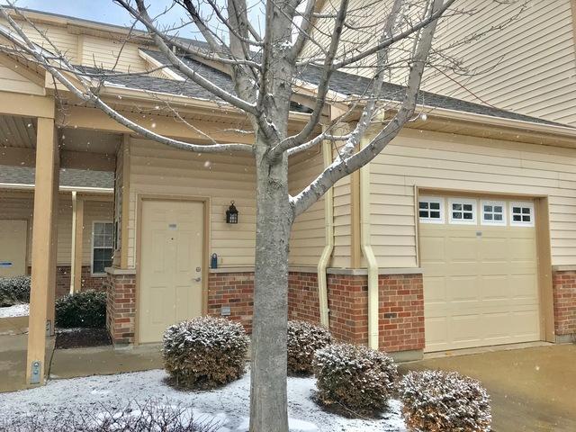 3616 Thornhill Drive #3616, Champaign, IL 61822 (MLS #10350579) :: Ryan Dallas Real Estate