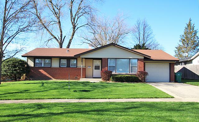 278 Fern Drive, Elk Grove Village, IL 60007 (MLS #10350634) :: Leigh Marcus | @properties