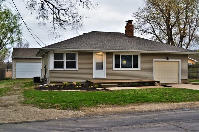 1028 E Parkside Lane, Peoria, IL 61615 (MLS #10350816) :: Janet Jurich Realty Group