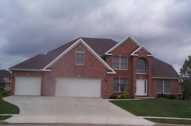 4 Weaver Court, Bloomington, IL 61704 (MLS #10350835) :: BNRealty