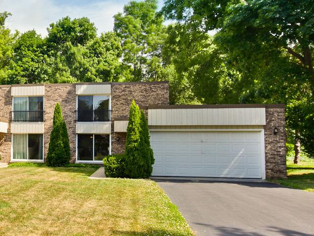 246 Florence Court, Libertyville, IL 60048 (MLS #10351061) :: Helen Oliveri Real Estate
