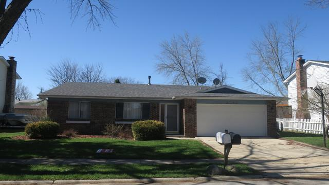 2592 Yellow Star Street, Woodridge, IL 60517 (MLS #10351111) :: BNRealty