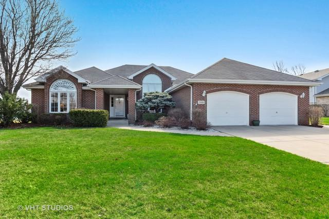 19419 Kevin Avenue, Mokena, IL 60448 (MLS #10351284) :: Helen Oliveri Real Estate