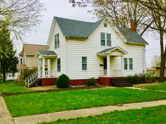 327 E 9th Street, Gibson City, IL 60936 (MLS #10351474) :: Leigh Marcus   @properties