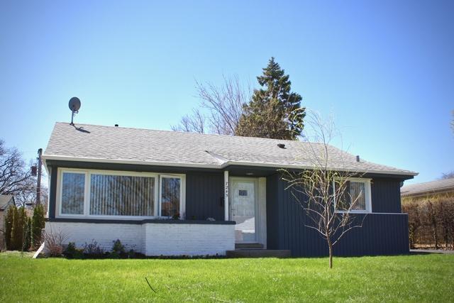 7245 Lake Street, Morton Grove, IL 60053 (MLS #10351581) :: BNRealty