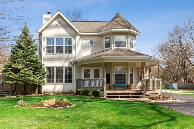 250 North Drive, South Elgin, IL 60177 (MLS #10351687) :: Helen Oliveri Real Estate
