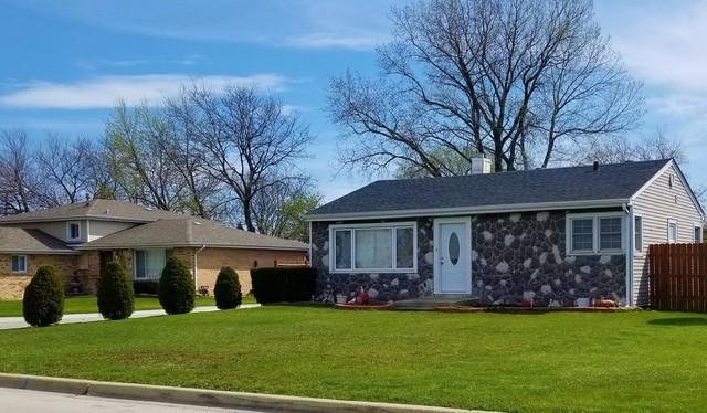 8323 S Thomas Avenue, Bridgeview, IL 60455 (MLS #10351742) :: Leigh Marcus | @properties