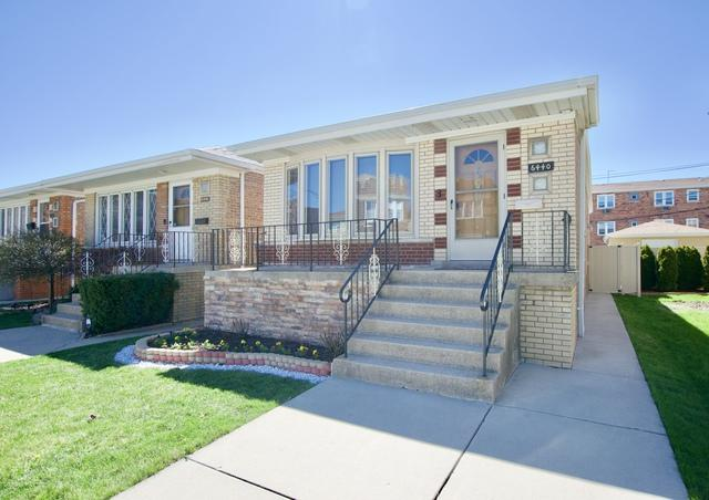 6440 S Austin Avenue, Chicago, IL 60638 (MLS #10351788) :: Leigh Marcus | @properties