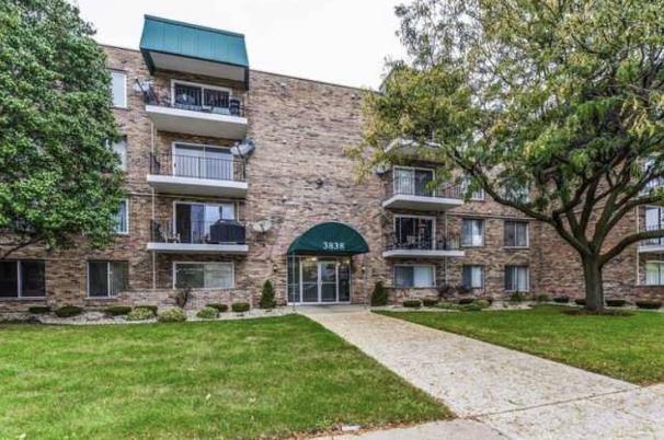 3838 W 111th Street #208, Chicago, IL 60655 (MLS #10351842) :: Helen Oliveri Real Estate