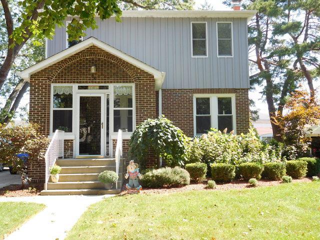 201 East Avenue, Park Ridge, IL 60068 (MLS #10351938) :: Century 21 Affiliated