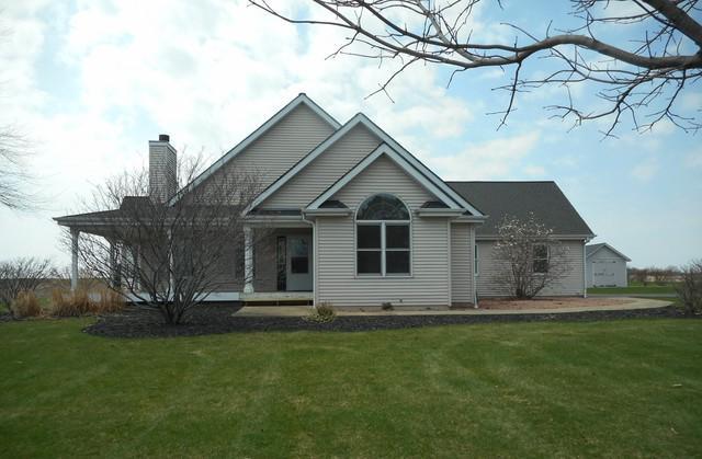 10N048 Kendall Road, Elgin, IL 60124 (MLS #10352116) :: Helen Oliveri Real Estate