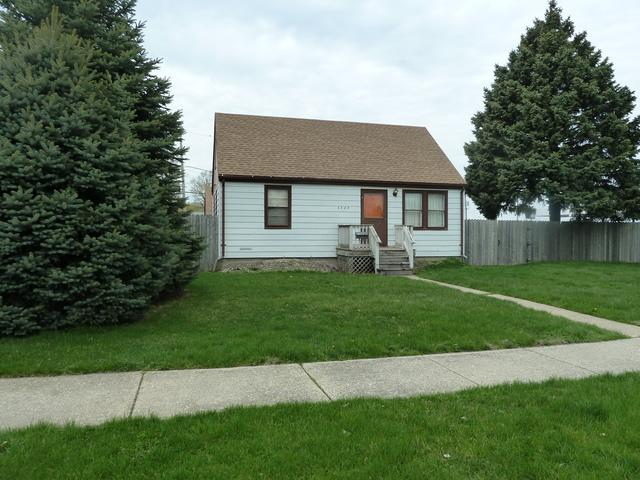 4748 S Long Avenue, Chicago, IL 60638 (MLS #10352232) :: Helen Oliveri Real Estate