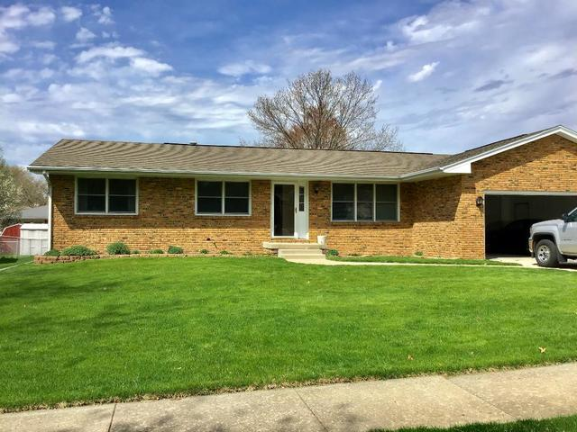 2914 Dodge Drive, Bloomington, IL 61704 (MLS #10352253) :: Helen Oliveri Real Estate