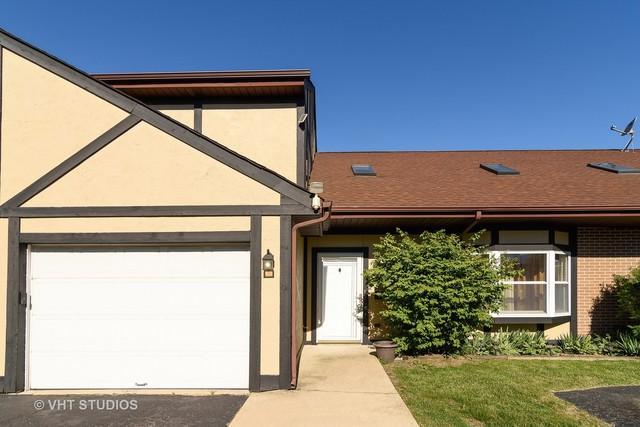 1970 Miner Street B, Des Plaines, IL 60016 (MLS #10352381) :: Helen Oliveri Real Estate