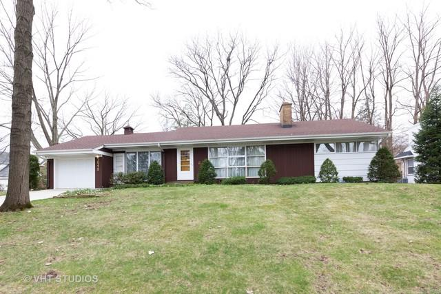 5648 Virginia Avenue, Clarendon Hills, IL 60514 (MLS #10352454) :: Jacqui Miller Homes