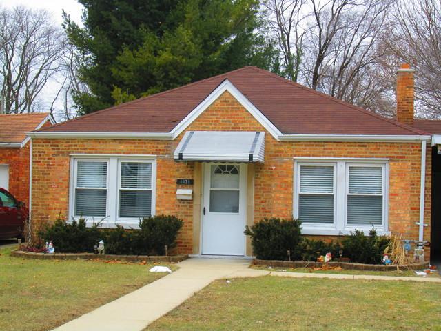 4438 Grace Street, Schiller Park, IL 60176 (MLS #10352467) :: Leigh Marcus | @properties
