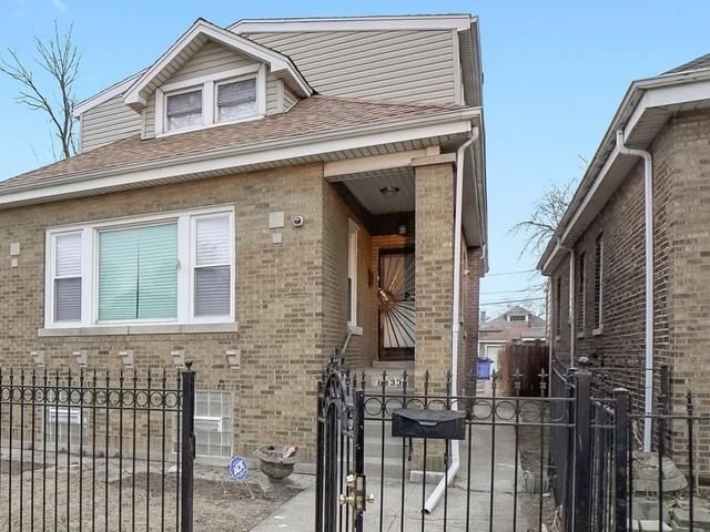 6933 S Claremont Avenue, Chicago, IL 60636 (MLS #10352476) :: Jacqui Miller Homes