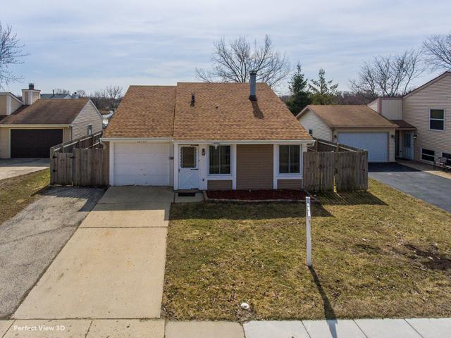 30W011 Wembly Drive, Warrenville, IL 60555 (MLS #10352512) :: Berkshire Hathaway HomeServices Snyder Real Estate