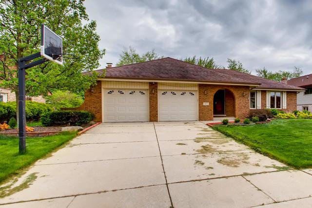 137 Somerset Road, Willowbrook, IL 60527 (MLS #10352520) :: Berkshire Hathaway HomeServices Snyder Real Estate
