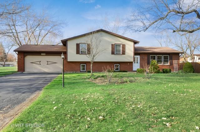 26W306 Marion Avenue, Wheaton, IL 60187 (MLS #10352686) :: Helen Oliveri Real Estate