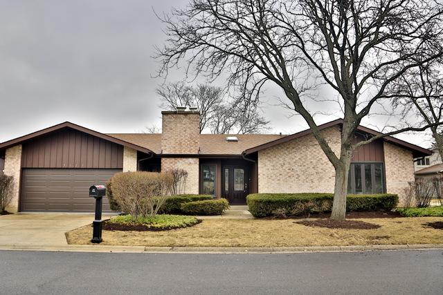 3122 River Falls Drive, Northbrook, IL 60062 (MLS #10352704) :: Helen Oliveri Real Estate