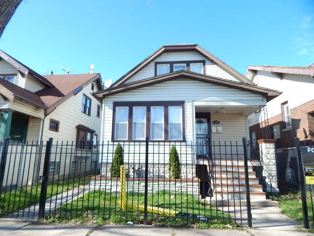 322 W 103rd Place W, Chicago, IL 60628 (MLS #10352745) :: Helen Oliveri Real Estate