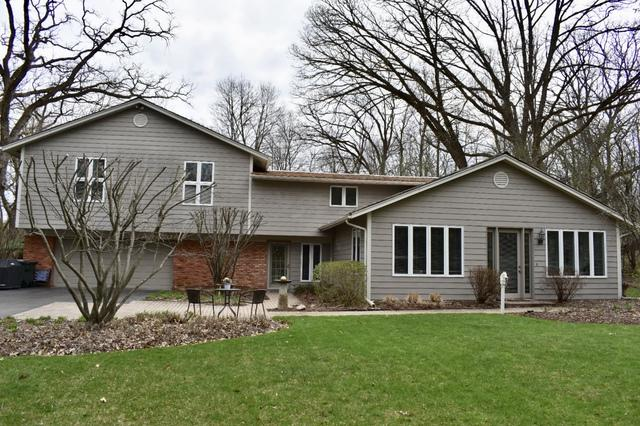 90 E Surrey Lane, Barrington Hills, IL 60010 (MLS #10352801) :: Leigh Marcus | @properties
