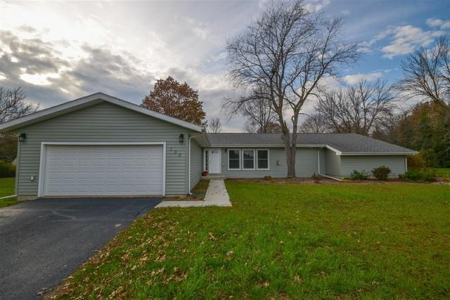 100 Mockingbird Lane, LEROY, IL 61752 (MLS #10352919) :: Berkshire Hathaway HomeServices Snyder Real Estate