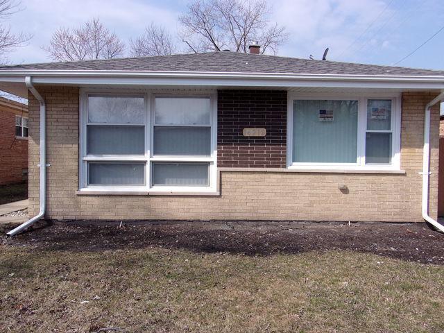 14212 Maryland Avenue, Dolton, IL 60419 (MLS #10353002) :: Helen Oliveri Real Estate