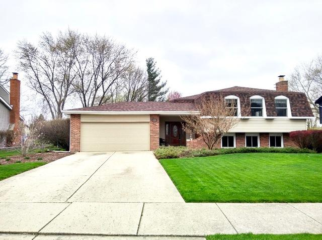 1582 Briarcliffe Boulevard, Wheaton, IL 60189 (MLS #10353275) :: The Wexler Group at Keller Williams Preferred Realty