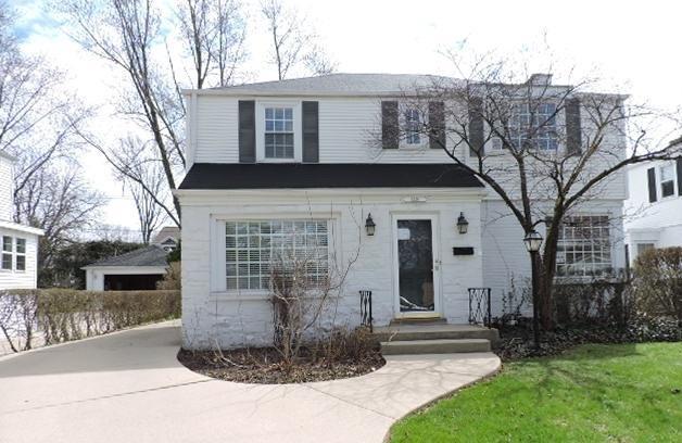 1339 S Ashland Avenue, Park Ridge, IL 60068 (MLS #10353320) :: Helen Oliveri Real Estate