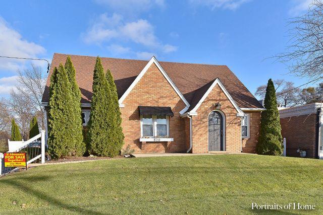 820 S 4th Street, Dekalb, IL 60115 (MLS #10353354) :: Helen Oliveri Real Estate