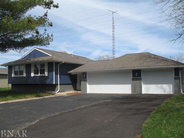 3468 Nancy Lane, CLINTON, IL 61727 (MLS #10353444) :: BNRealty
