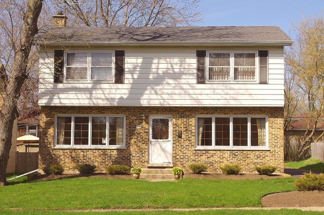 110 N 3rd Avenue, Villa Park, IL 60181 (MLS #10353696) :: Helen Oliveri Real Estate