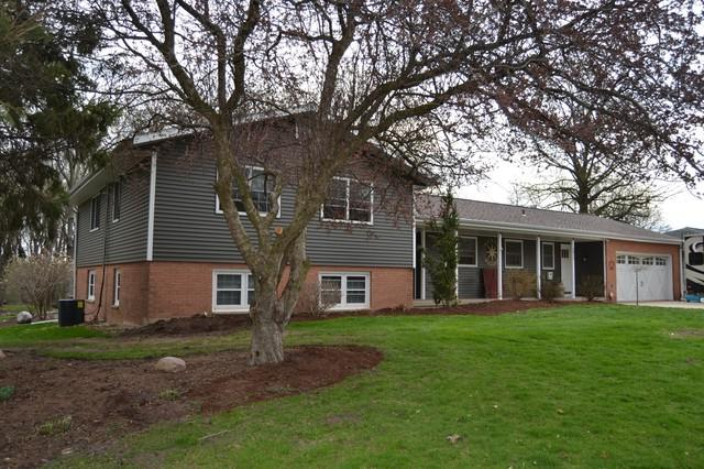 2015 Stroble Avenue, Mendota, IL 61342 (MLS #10353735) :: Helen Oliveri Real Estate