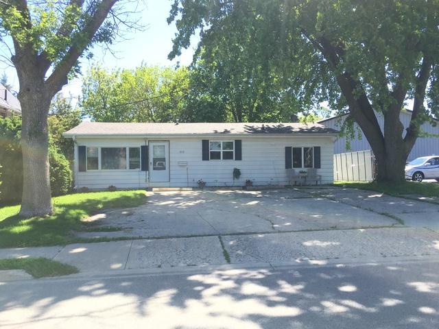 1010 S 4th Street, Dekalb, IL 60115 (MLS #10353861) :: Helen Oliveri Real Estate