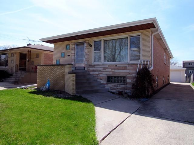 2821 W 101st Place, Evergreen Park, IL 60805 (MLS #10353907) :: Helen Oliveri Real Estate