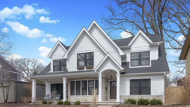 1616 Forest Avenue, Wilmette, IL 60091 (MLS #10353929) :: Leigh Marcus | @properties