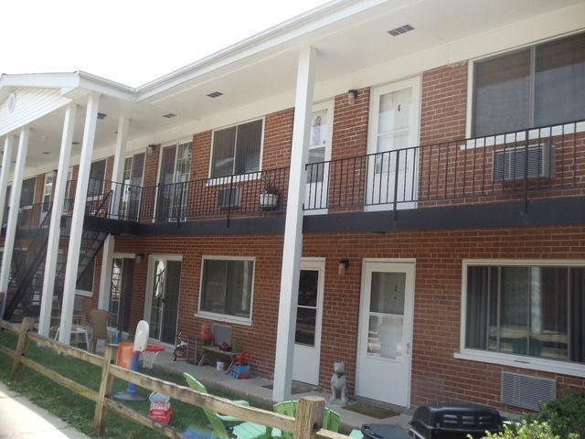 323 N Princeton Avenue #8, Villa Park, IL 60181 (MLS #10353971) :: Leigh Marcus | @properties