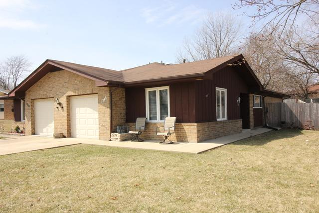 1348 Beverly Lane, Streamwood, IL 60107 (MLS #10353985) :: The Jacobs Group