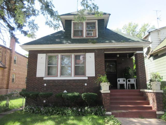 11946 S La Salle Street, Chicago, IL 60628 (MLS #10354036) :: Leigh Marcus | @properties