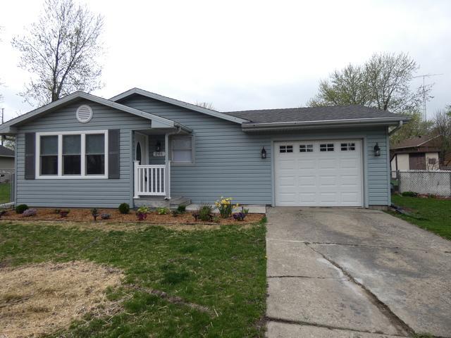 201 Harvard Avenue, Bourbonnais, IL 60914 (MLS #10354089) :: Helen Oliveri Real Estate