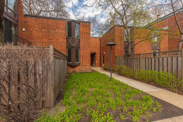 2137 N Lincoln Avenue, Chicago, IL 60614 (MLS #10354109) :: Helen Oliveri Real Estate